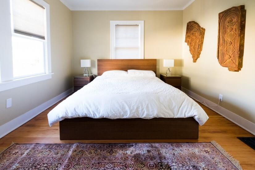 Queen size • memory foam mattress • Egyptian cotton bedd