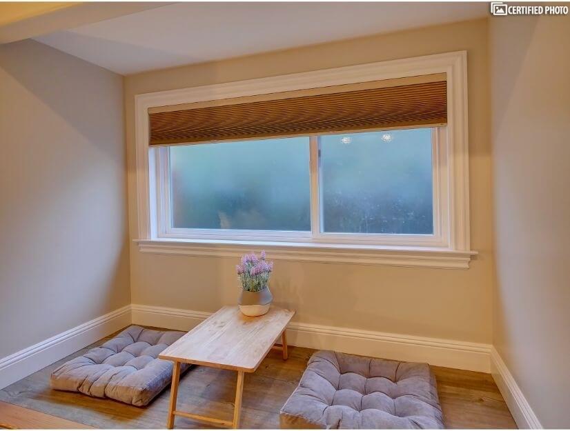Suite D - large box/bay window (6.7' x 3')