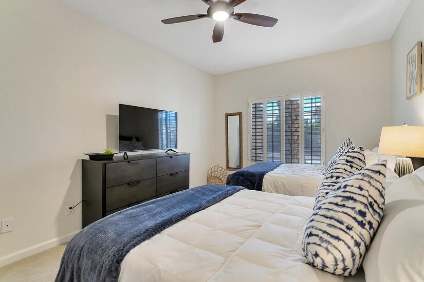 Bedroom 3: New Smart TV and 2 Queen Beds