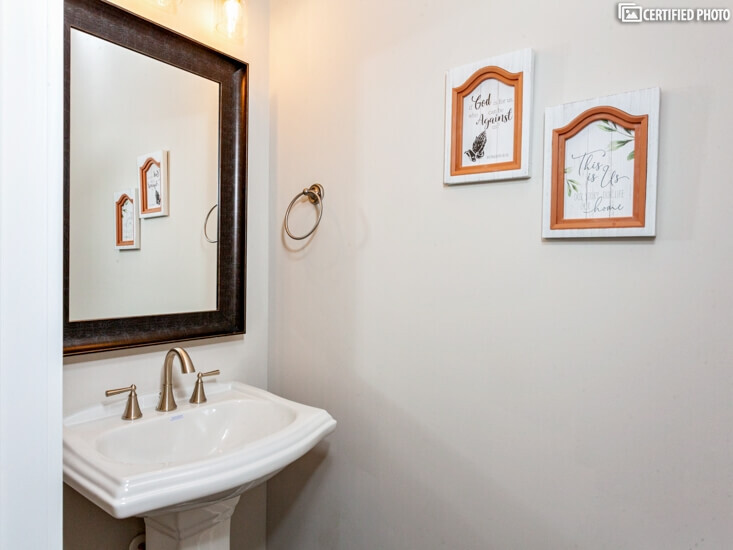 Guest bath room.