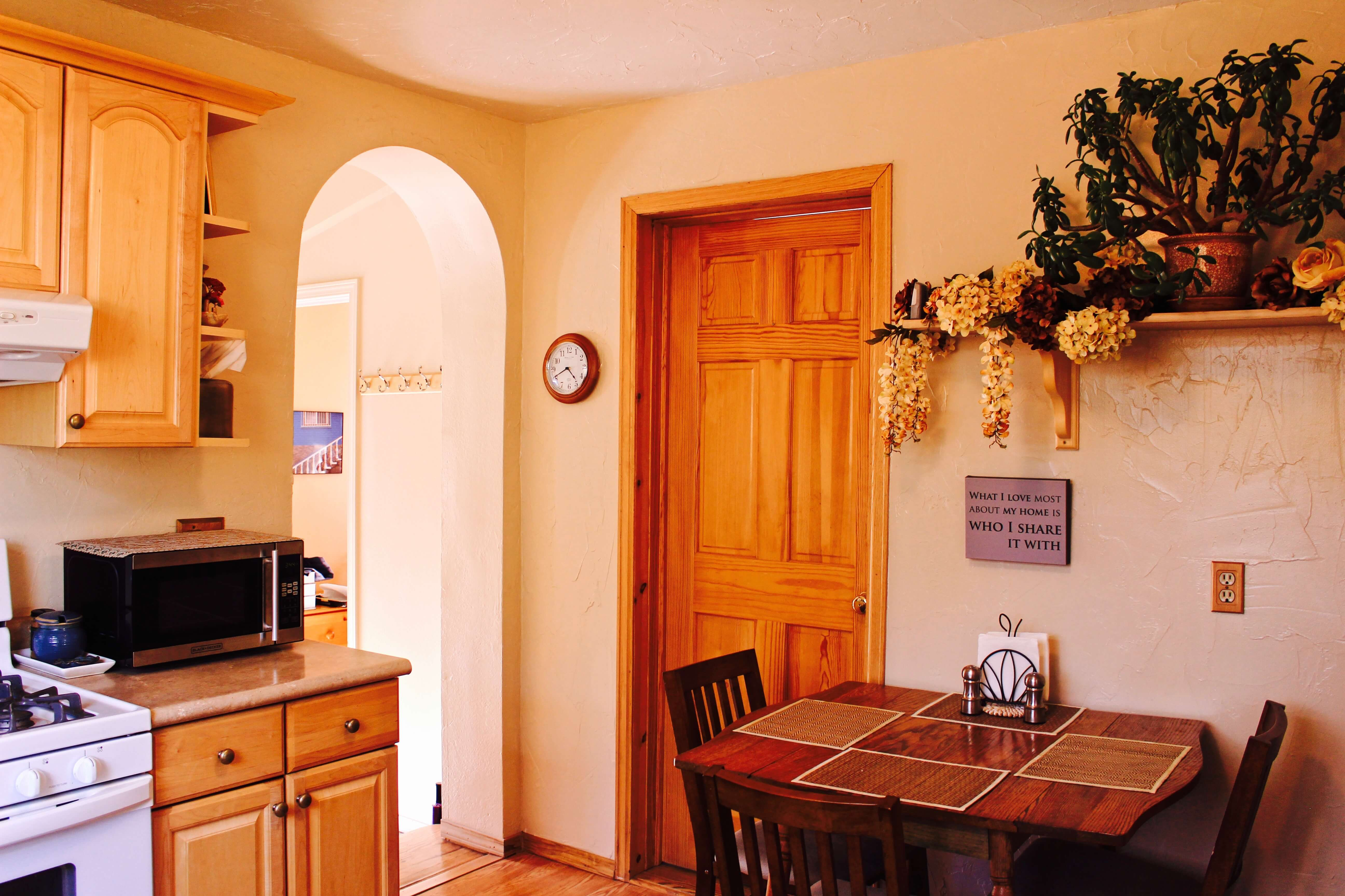 image 8 furnished 3 bedroom House for rent in Divine Redeemer, Colorado Springs