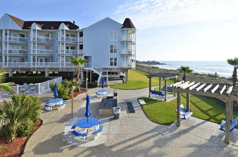 Seascape Resort - Courtyard