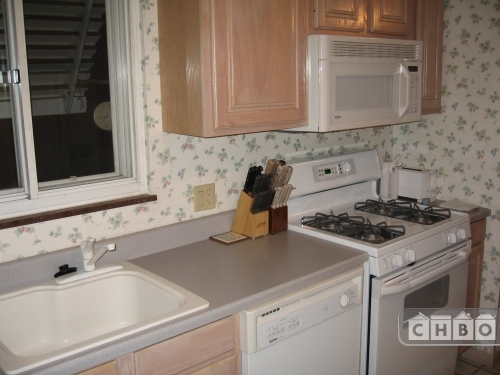 image 2 furnished 3 bedroom House for rent in Fairview Park, Cuyahoga County