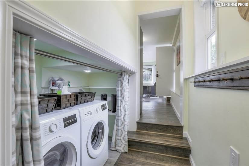Full laundry facilities included.