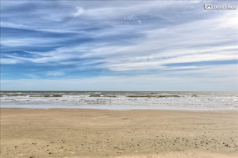 Short walk to the beach 1