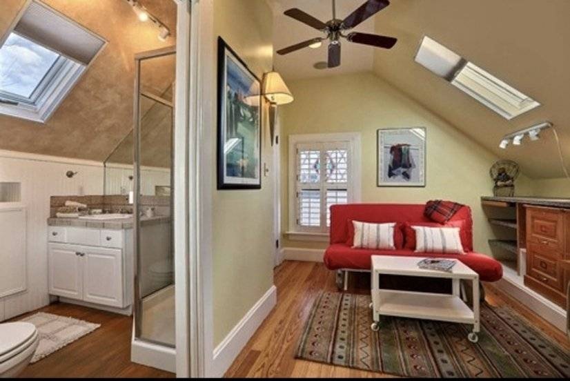 Master suite number 2 sitting area/office space/private bath