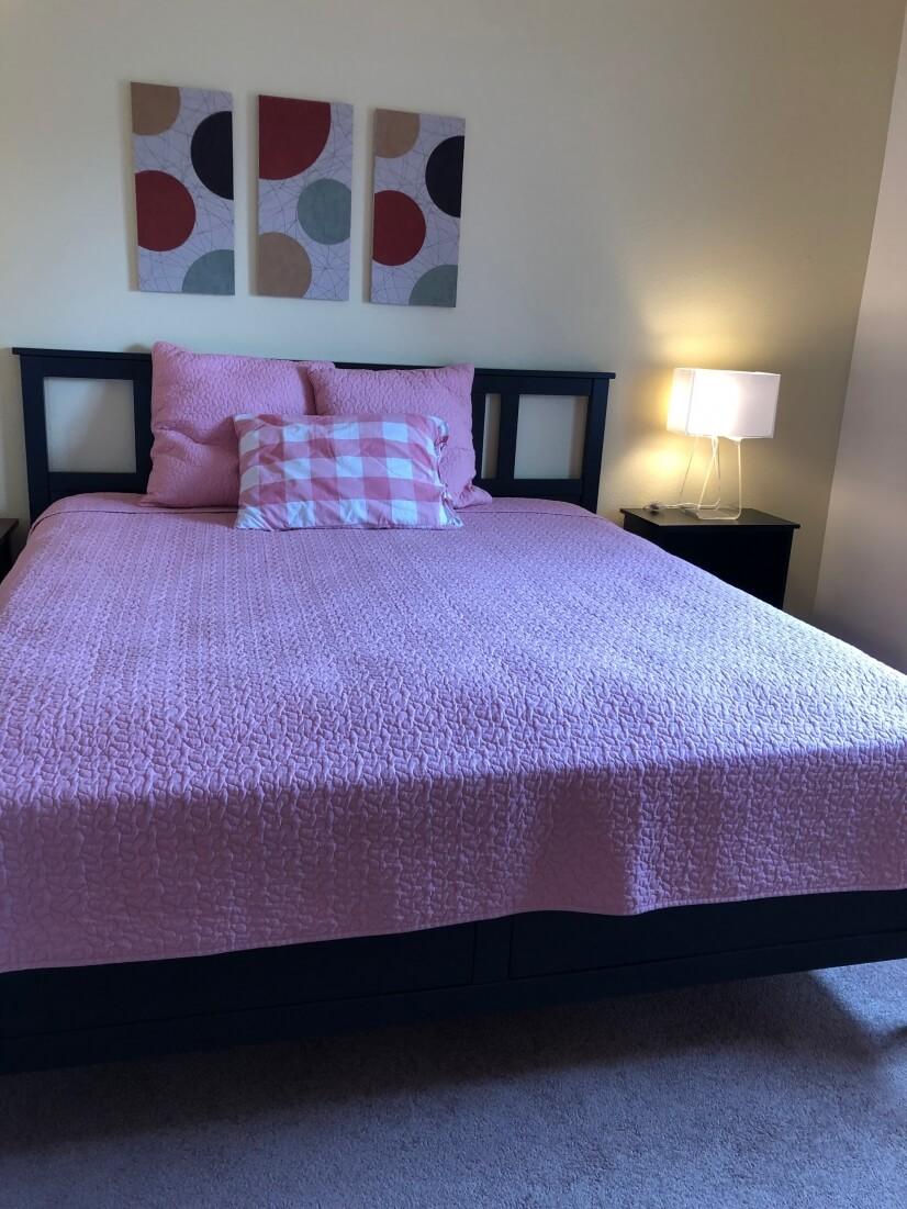 Master bedroom kind size bed