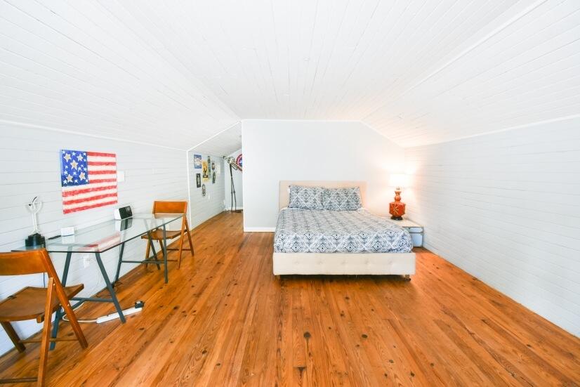 Loft Bedroom with Queen memory foam bed