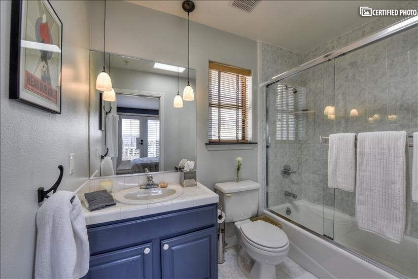 Main/Guest Bathroom