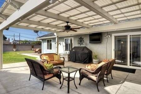 image 2 furnished 4 bedroom House for rent in Fountain Valley, Orange County