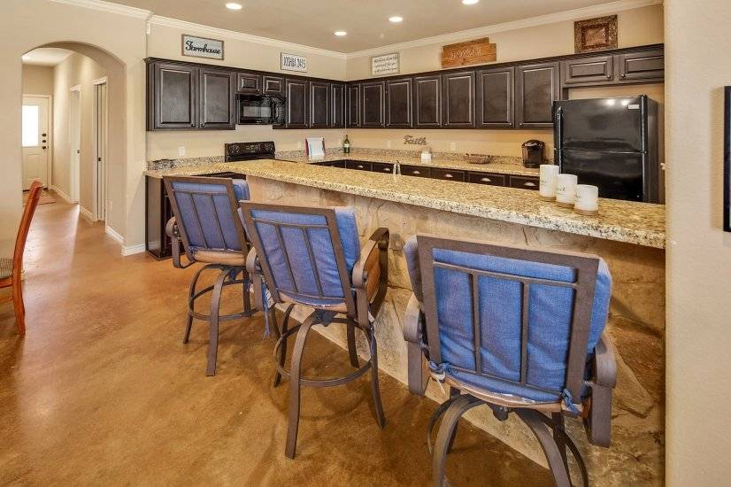 image 6 furnished 4 bedroom Townhouse for rent in College Station, North Central TX