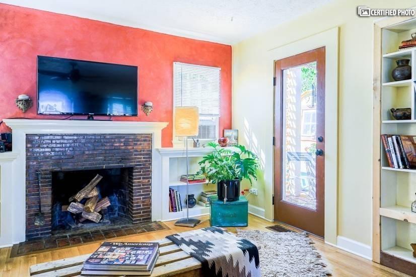 image 4 furnished 1 bedroom House for rent in University, Denver South