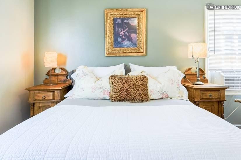 image 8 furnished 1 bedroom House for rent in University, Denver South