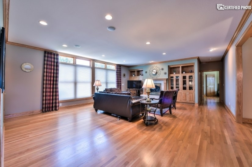 image 9 furnished 5 bedroom House for rent in St Paul Downtown, Twin Cities Area