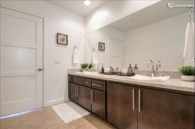 image 18 furnished 3 bedroom Townhouse for rent in North Hollywood, San Fernando Valley