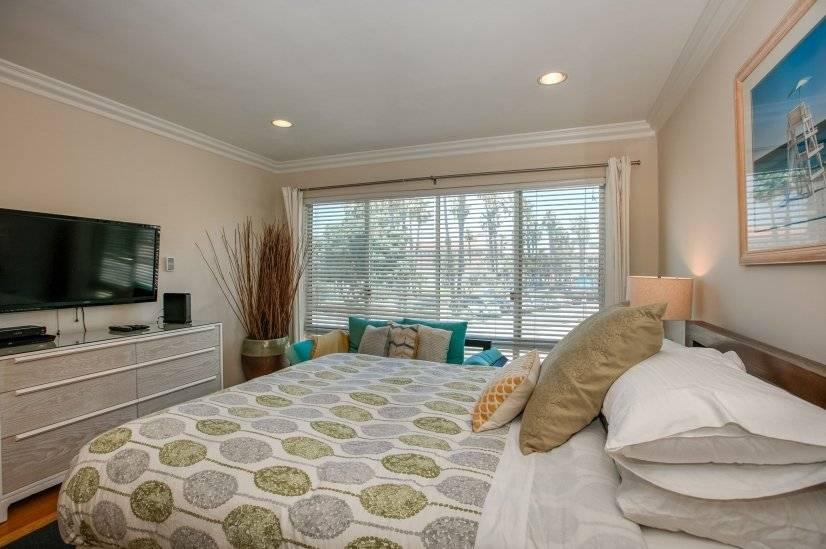 image 2 furnished Studio bedroom Townhouse for rent in Santa Monica, West Los Angeles