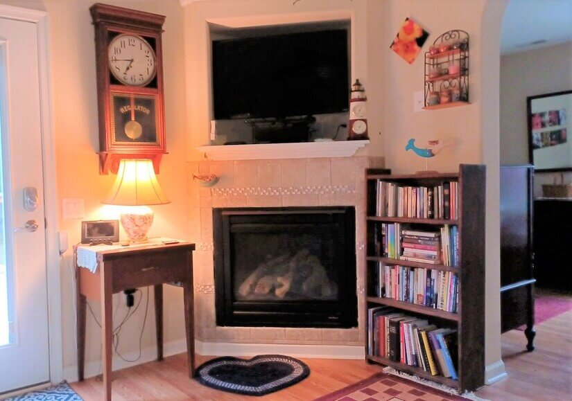 Fire Place & TV