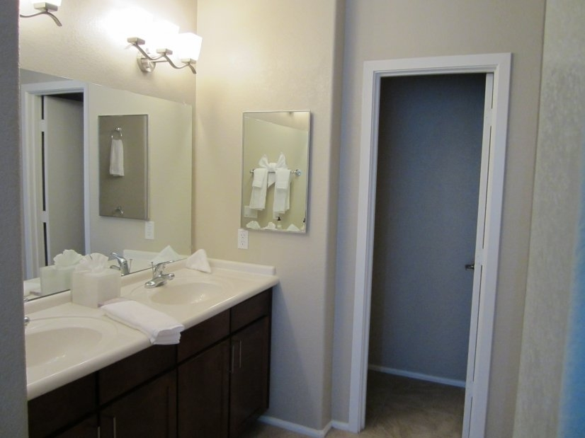 image 8 furnished 3 bedroom Townhouse for rent in Glendale Area, Phoenix Area