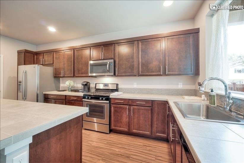image 17 furnished 4 bedroom House for rent in Puyallup, Seattle Area