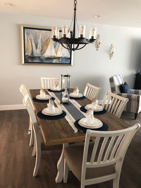 Dining complete with dishes & table linens
