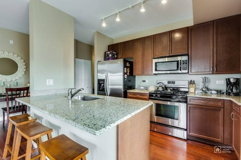 image 4 furnished 2 bedroom Townhouse for rent in Near North, Downtown