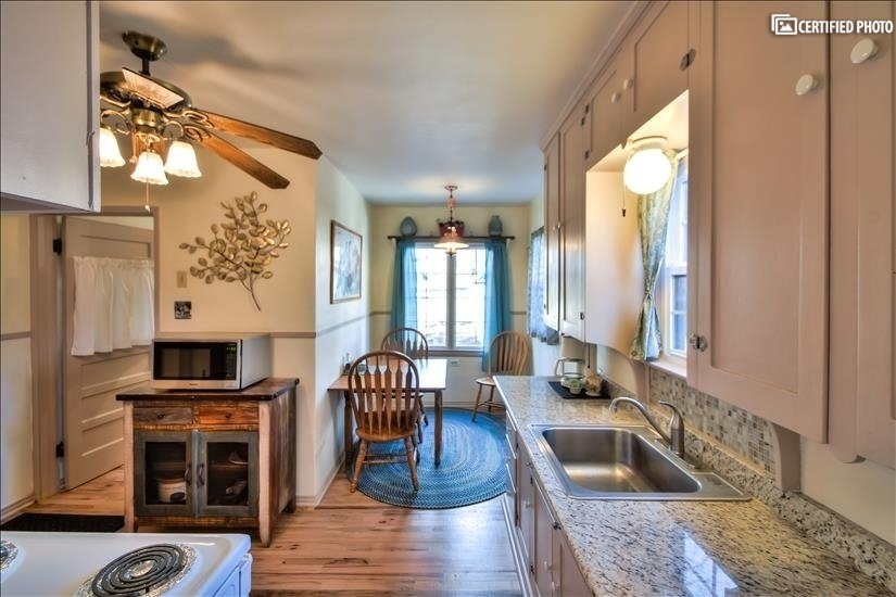 image 9 furnished 2 bedroom House for rent in Broadmoor Hills, Colorado Springs