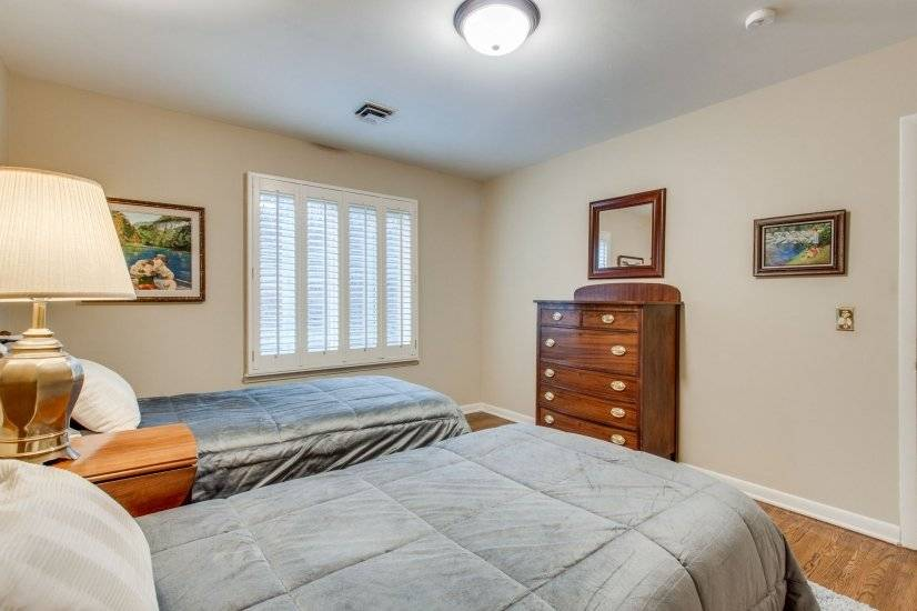 Twin Bedroom2