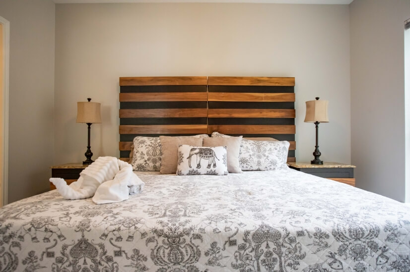 Luxurious King bed with wonderful pillows