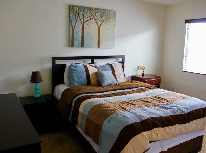 """Bedroom # 1: Queen Bed, 45"""" HDTV"""