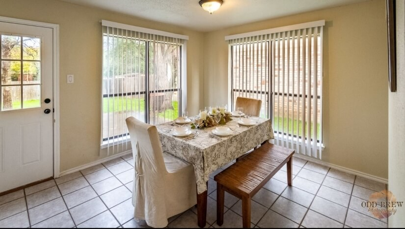 Dining room with space for 6