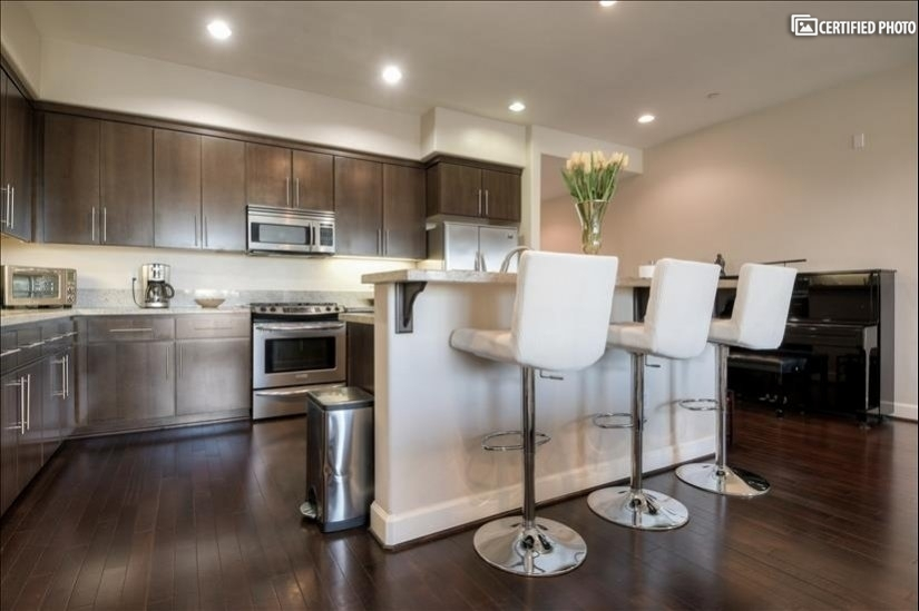 image 9 furnished 3 bedroom Townhouse for rent in North Hollywood, San Fernando Valley