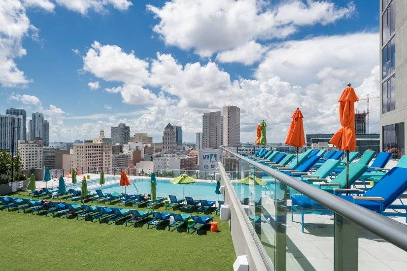 18th floor pool deck