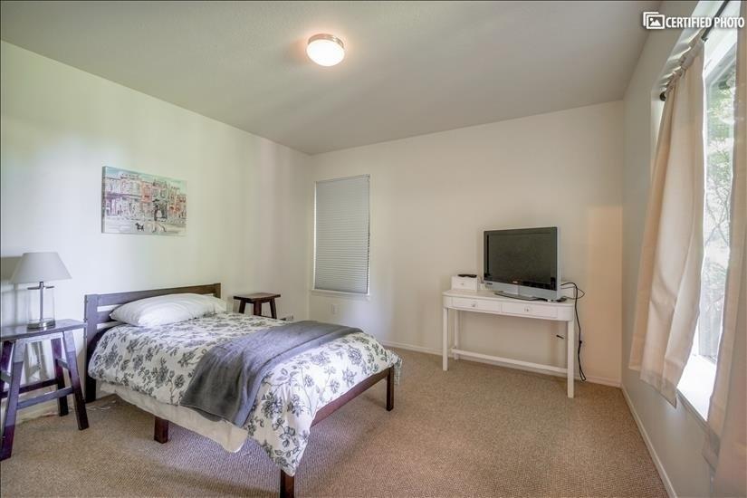 Bedroom #3 (Level 2.5)