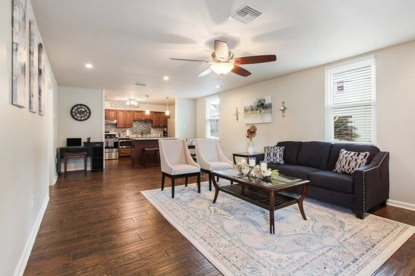 image 3 furnished 2 bedroom Townhouse for rent in Mid-City, New Orleans Area