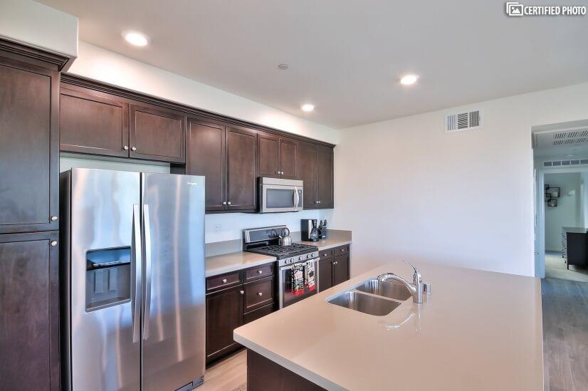 image 9 furnished 2 bedroom House for rent in Irvine, Orange County