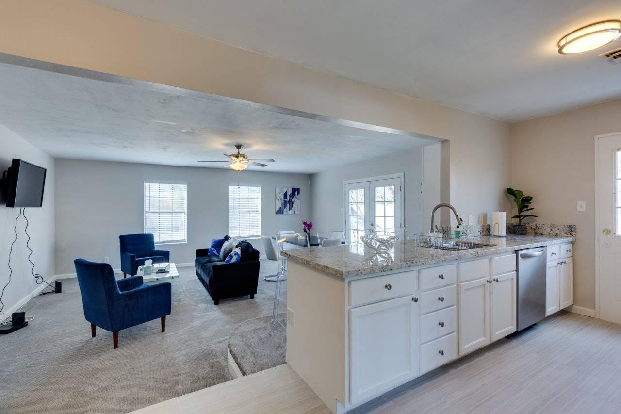 image 10 furnished 2 bedroom House for rent in Southwest Las Vegas, Las Vegas Area
