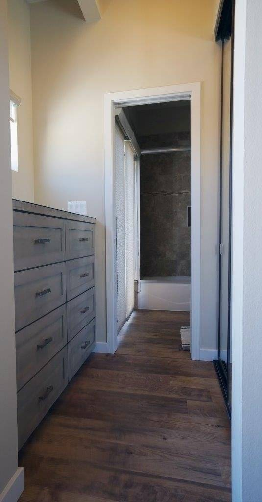 Master Bedroom Dressing Area And Mirrored Closet