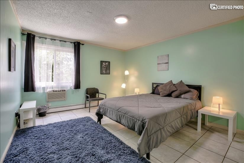 Main (larger) bedroom