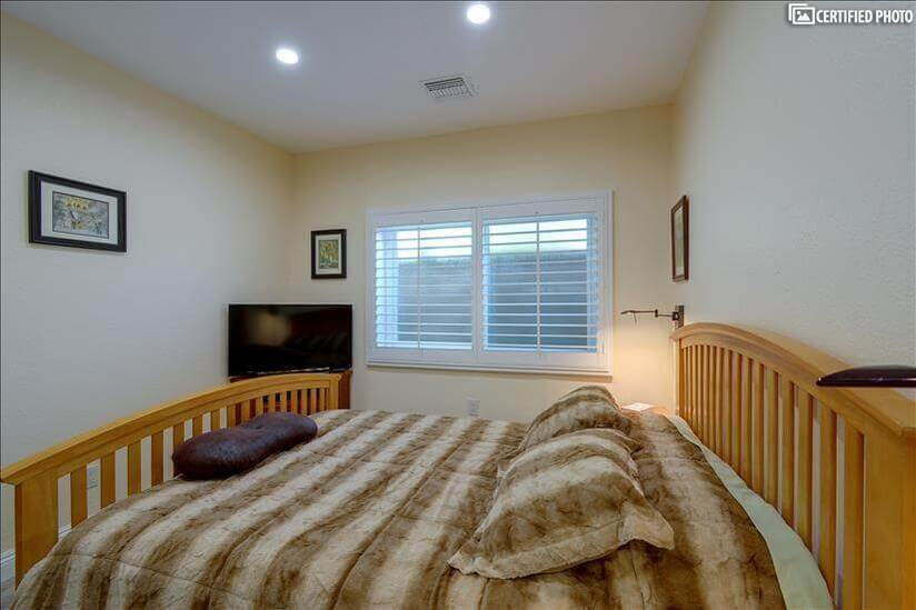 Bedroom 2 with Seally queen size mattress