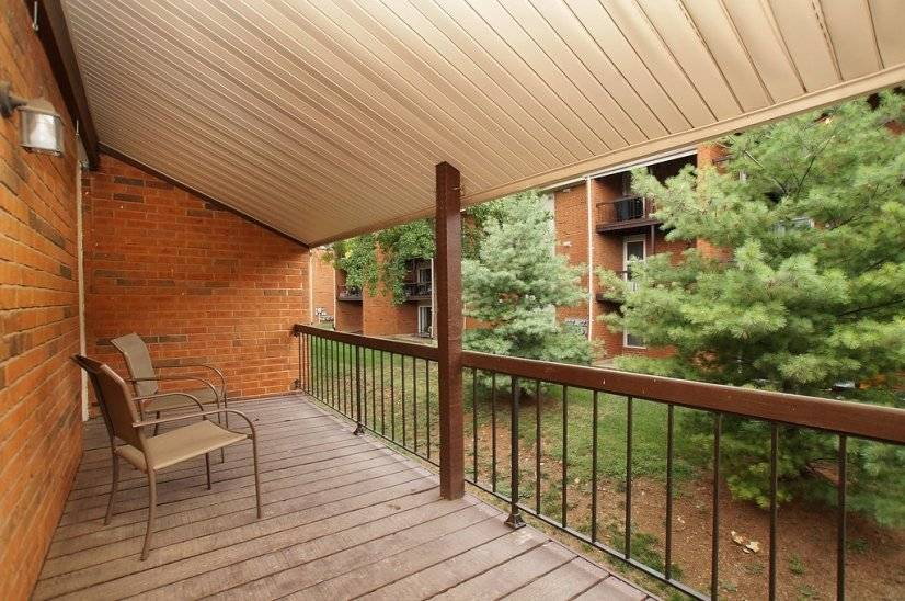 image 10 furnished 1 bedroom Townhouse for rent in Kirkwood, St Louis Area