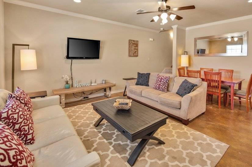 image 2 furnished 4 bedroom Townhouse for rent in College Station, North Central TX