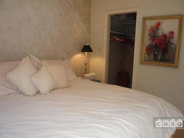 image 5 furnished 1 bedroom Townhouse for rent in Chinatown, San Francisco