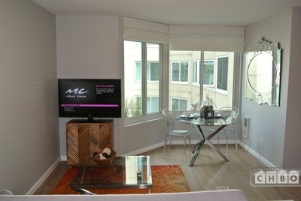image 2 furnished Studio bedroom Townhouse for rent in Marina District, San Francisco