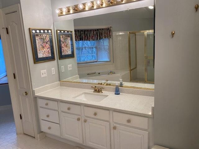 Master Suite Bathroom pic 2