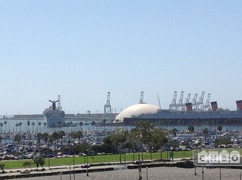 PANORAMIC QUEEN MARY,BEACH FROM THIS TURNKEY 2+ 2