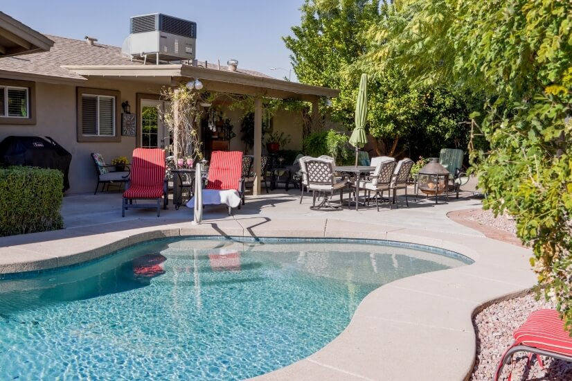 Heated Pool, outdoor dining