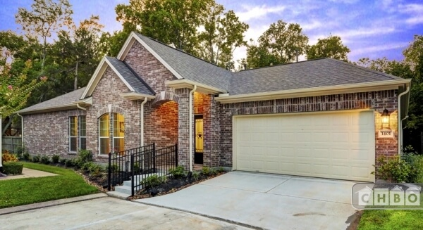 Brand New Executive Home in Friendswood