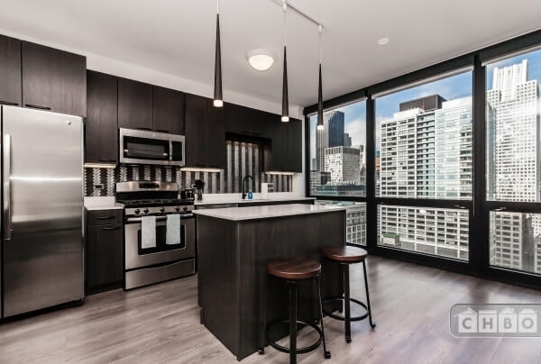 High End Downtown Highrise - 1 Bedroom