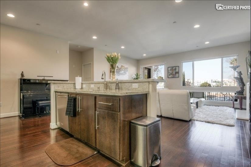image 11 furnished 3 bedroom Townhouse for rent in North Hollywood, San Fernando Valley