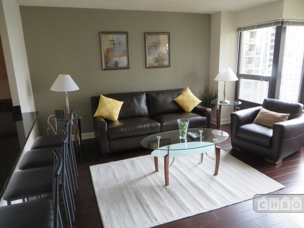 Exclusive Suites 1 BED 30 E. Huron 4005